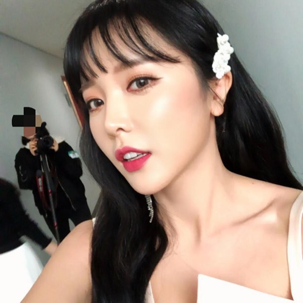 `전지적 참견 시점` 홍진영 예쁨 폭발하는 셀카…`봄의 요정 같은 미모`