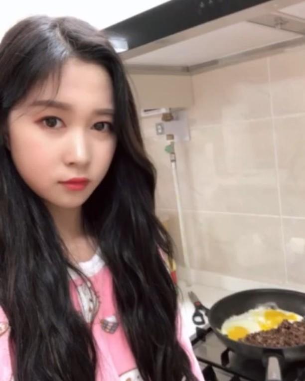 """'도시어부' 우주소녀 다영 저녁 준비 중 """"사랑스러운 요리사"""""""