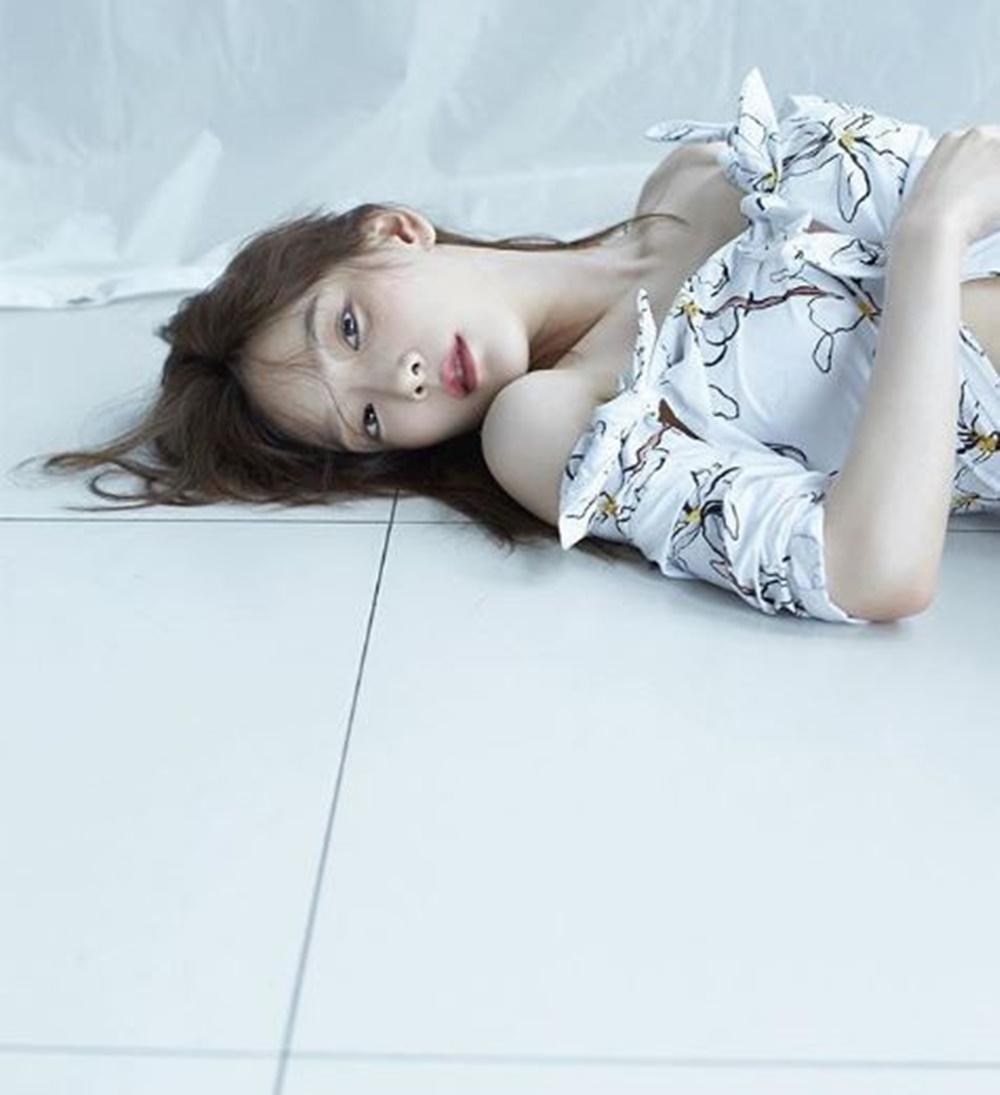 """소녀시대SNSD 태연 몽환적 분위기의 사진 공개…""""Something New"""""""