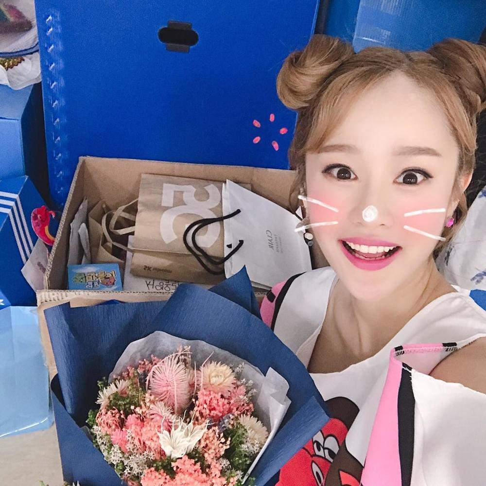 """'캐리언니→지니언니' 헤이지니 강혜진, 인기가 이정도? """"뮤지컬 지역마다 선물 꽉꽉 채워"""""""