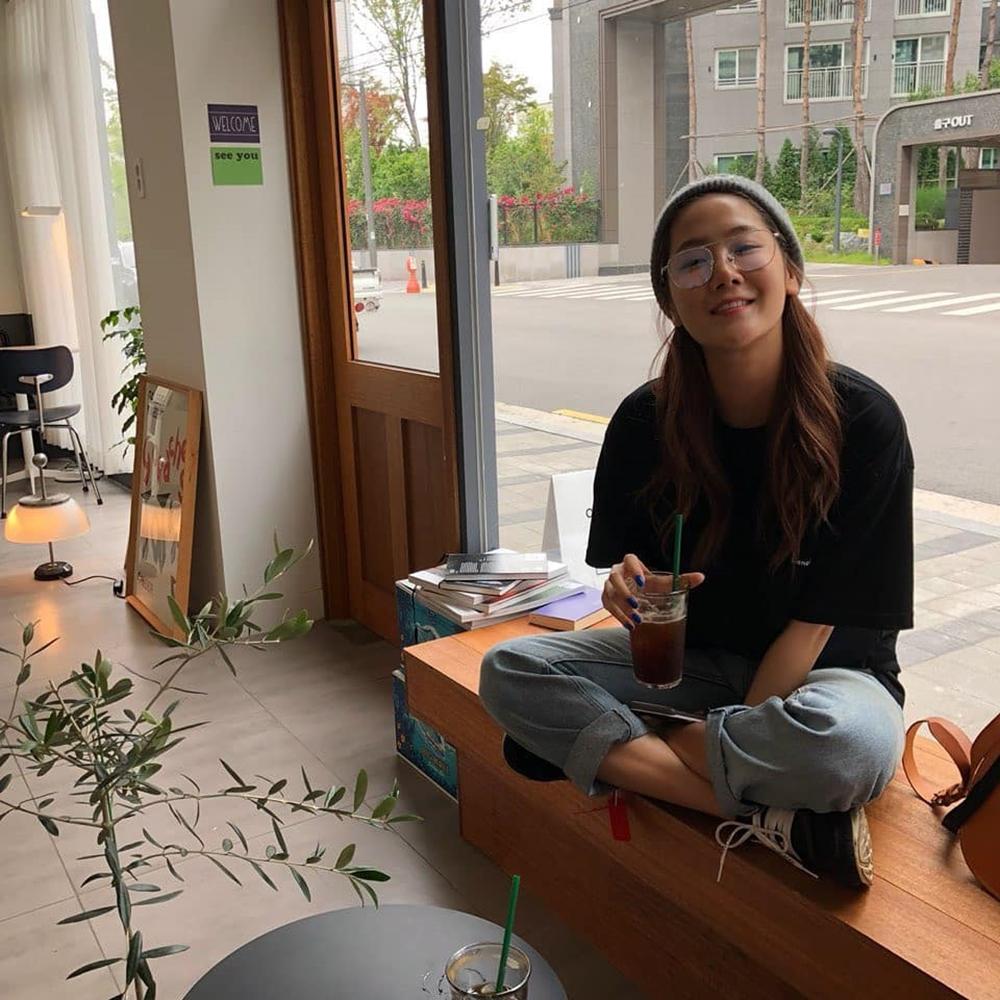 """'인생술집' 소유, 커피마시며 소소한 일상 즐겨…""""안경 너무 귀여워"""""""