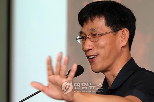 진중권 김부선과 거리두고 있는 이유는?
