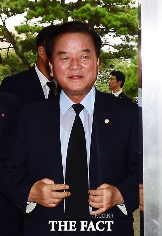 정갑윤 ¨문재인 대통령, 헌법 위반 반복해…탄핵 사유다¨
