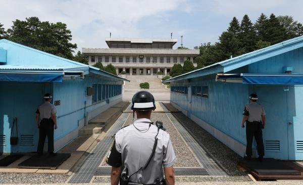 """""""격 높이자""""… 北, 유엔사에 장성급회담 개최 제의"""