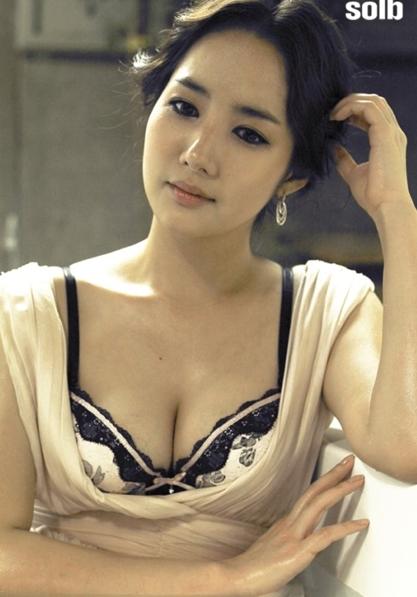 """박민영, '김비서가 왜 그럴까' 화제 속 볼륨 몸매 눈길... """"이런 비서는 당장 채용?"""" 눈을 둘 곳이 없다"""