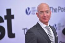아마존 베저스, 역대 최고 부자?…인플레이션 감안시 1위는 여전히 게이츠