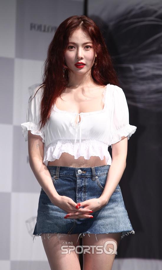 """[스몰톡Q]'베베(BABE)' 현아(HyunA) """"무대 위 섹시함은 그대로 보일 것"""" 음방 보니"""