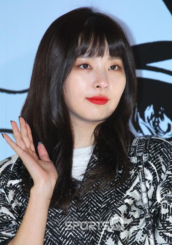 [포토Q] 레드벨벳 슬기 `입술 돋보이는 미모`