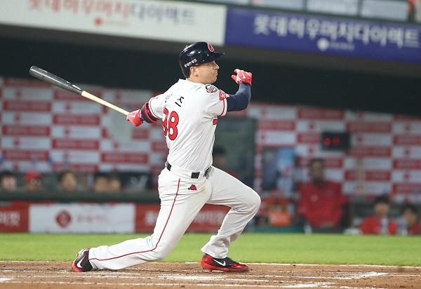 '단독 4위' 롯데자이언츠 5연승만큼 반가운 번즈 3안타 2018 프로야구 순위
