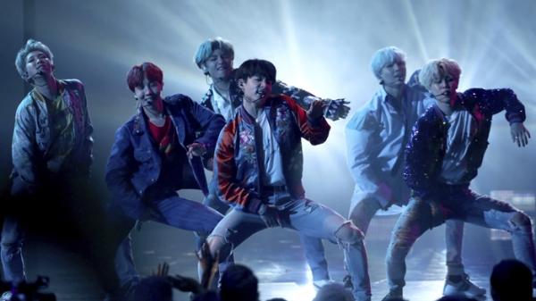2018 가온차트 K-POP 어워드…방탄소년단 참석 못해