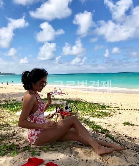 '해변의 여인'...이혜영, '뜨거운 태양아래 구릿빛 탄탄한 몸매'