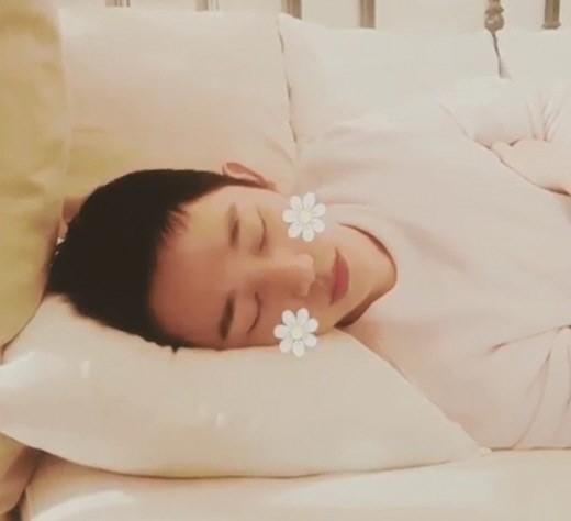 '밥 잘 사주는 예쁜 누나' 정해인, 곤히 잠든 모습…완벽한 꽃미남 '여심 저격'