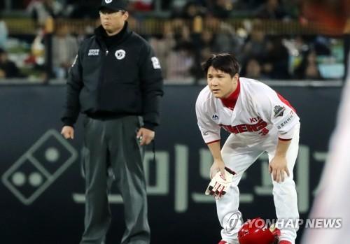 기아 김선빈 갈비뼈 골절로 1군 엔트리 제외… 나지완 복귀