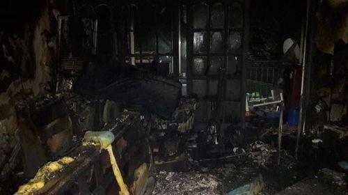 김해 아파트 불... 40대 여성 추락해 숨져