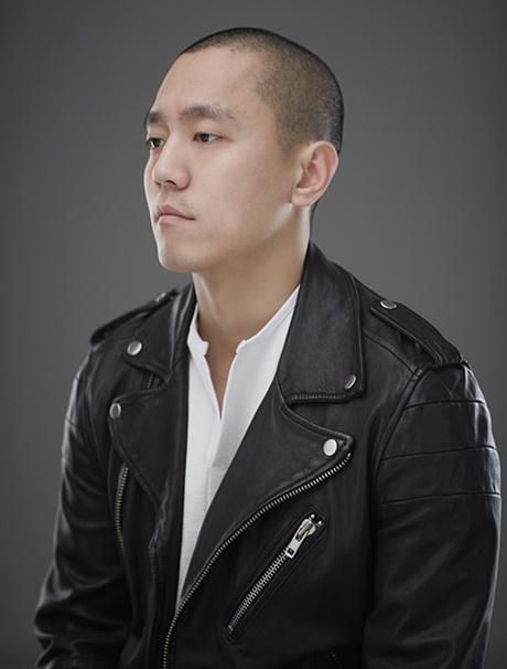 [인터뷰] 춤과 영상 콜라주...안무가 김성현, 순환하는 폭력 '이념의 무게' 선봬
