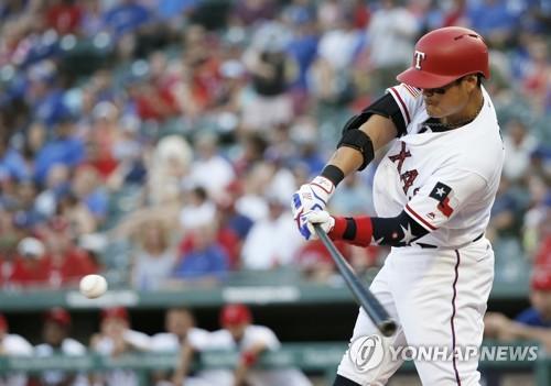 추신수, 홈런으로 44경기 연속 출루…MLB 아시아 신기록