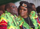 """짐바브웨 무가베, 집권당서 쫓겨나…""""20일까지 안물러나면 탄핵""""(종합2보)"""