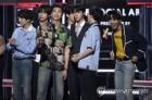 """""""세계최고 보이그룹""""…방탄소년단, 2년 연속 BBMA 수상종합2보"""