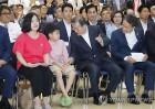 문대통령 병원서 의료기기 규제혁신 밝혀…첫 혁신성장 현장행보(종합)