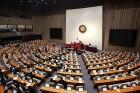 '방탄의원단', 홍문종·염동열 체포동의안 부결