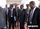 짐바브웨 집권당, 무가베 퇴진안 다룰 비상총회 시작