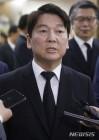 """안철수 """"JP, 대화와 타협이 부족한 한국정치에 경종"""""""