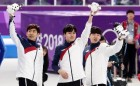 """文 대통령, 男 팀추월 은메달 실시간 축하 """"여러분이 있어 빙상장이 더 신나고 더 뜨거웠다"""""""