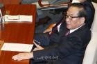 """서청원 한국당 탈당 """"친이·친박 분쟁 '비극적 도돌이표'"""""""