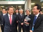 文 대통령, 방미 이틀째 英·체코와 정상회담…세계시민상 수상