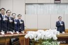 """文대통령 첫 국정원 업무보고 """"개혁법 연내처리해야""""(종합)"""