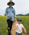 임신 33주차 가희, 유채꽃밭 가족 나들이