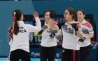 '듣도보도 못했던' 여자 컬링, 올림픽 최고 스타로 올라서기까지