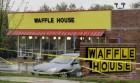 美와플가게 총격사건…흑인 남성, 총기 낚아채 대규모 인명피해 막아