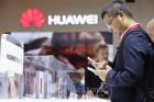 中 소비자들, 글로벌 기업 애플보다 자국 기업 '화웨이' 선호