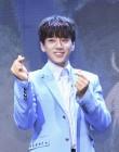 [stage리뷰] 황치열, '일상을 넘어 감성 향한 초대장을 전하다'황치열 2nd Mini 'Be Myself' 쇼케이스