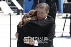 문 대통령 '감동 기념사' 그후 1년···새로 밝혀진 5·18 진실들