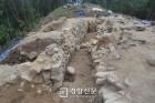 도굴로 사라진 가야시대 지배자 유물들...의령 유곡리 고분군 첫 발굴조사