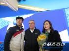 """[평창Live]바흐위원장, 윤성빈母子에 """"4년후 베이징에서도..."""""""