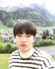 """""""입술이 뿌우""""…뉴이스트W JR, 비주얼 힐링 미소"""