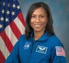 최초의 흑인 우주인 ISS 출발 5개월 앞두고 교체한 이유 뭘까