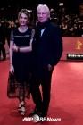 [위클리할리우드]리차드 기어, 33세 연하 여친과 세번째 결혼 外