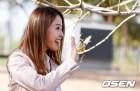 [사진]배지현 ,'남편 류현진 바라보며'