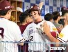 '박병호 스리런포' 넥센, 삼성 12-8 제압 주말 스윕