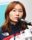 """'쇼트트랙 2관왕' 최민정 """"후회 없었던 올림픽, 보답 못한 것은 죄송"""""""