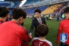 박지성, 왕성한 활동량은 여전...맨유 일로 중국행까지