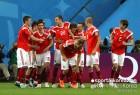 러시아 8골 화력쇼, 2010년 스페인 전체 골과 동률
