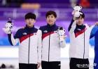 """문재인 대통령 """"최고의 팀워크, 탁월한 경기력"""" 팀추월 은메달 축하"""