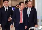 한국당, 檢에 '수사권조정' 병주고 '공수처반대' 약주고