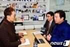 """홍종학, 일자리안정자금 확대 시사…""""30인 이상 기업도 지원 모색""""(종합)"""