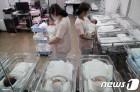 인구절벽 '성큼'…2월 출생아 역대최저 혼인건수 바닥